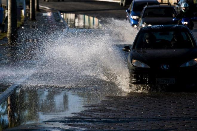 Maré alta pode provocar alagamentos em Florianópolis