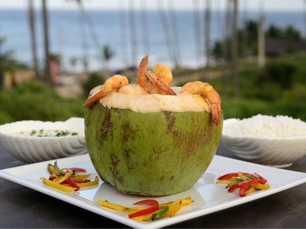 Camarão no Coco Verde