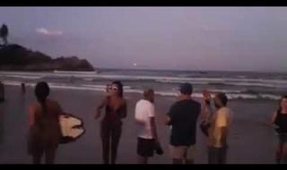 Clarão no céu do Campeche chama atenção de moradores e mobiliza bombeiros
