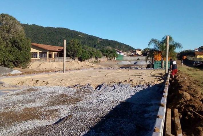 Obra irregular no Campeche é embargada pela Prefeitura