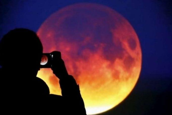 Superlua, Lua Azul e Lua de Sangue na mesma noite.