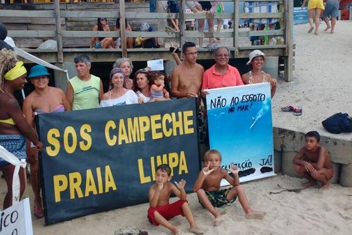 Moradores do Campeche mobilizados contra esgotos na praia